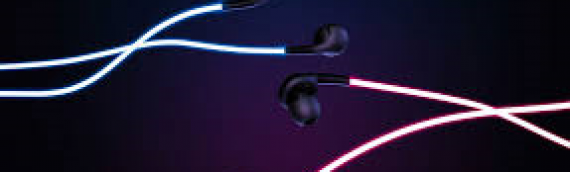 Glowing earphones that beat along with your music and heartbeat